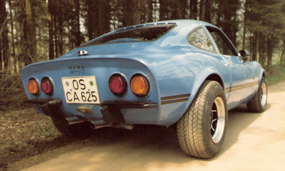 MARTINS RANCH Opel GT rear